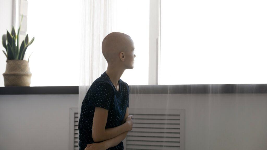 Estas con las consecuencias del cáncer de mama.