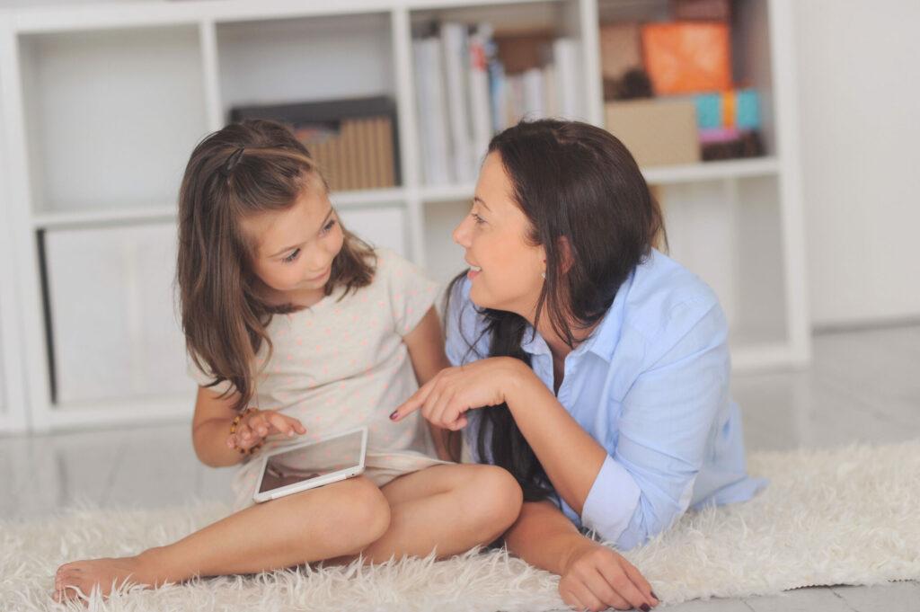 Planea cómo hablar con tu familia sobre tu tratamiento y cómo sobrellevar el cáncer de mama.