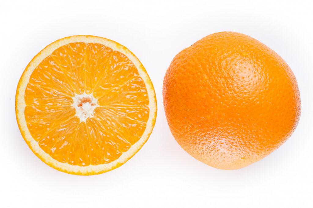 Debes estar atenta ante la presencia de apariencia de hoyuelos en los senos semejantes a la piel de una naranja, y acudir con el médico oportunamente.